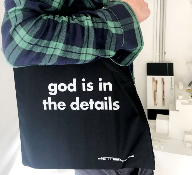 Tote bag God is in the details