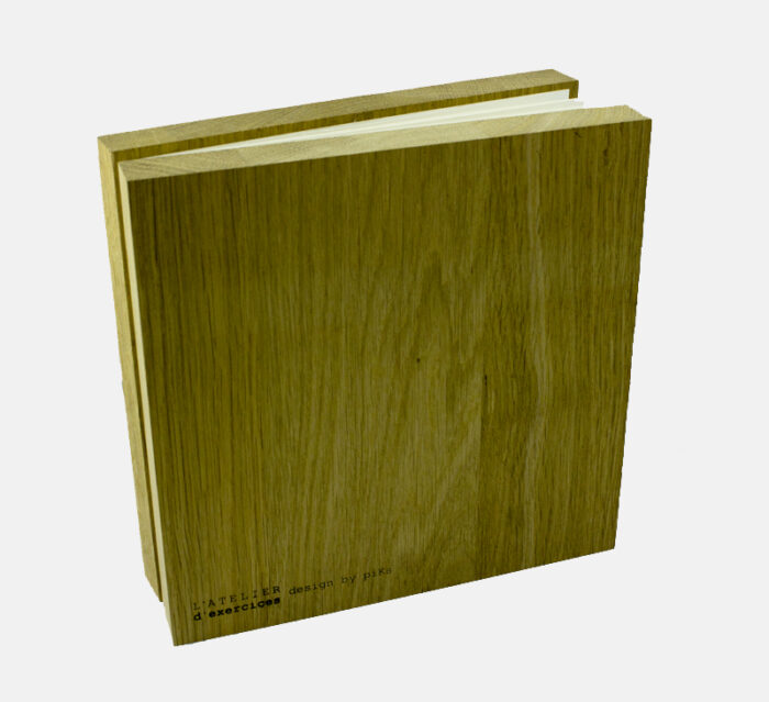 ATELIER D'EXERCICES Portfolio - Oak cover Album display