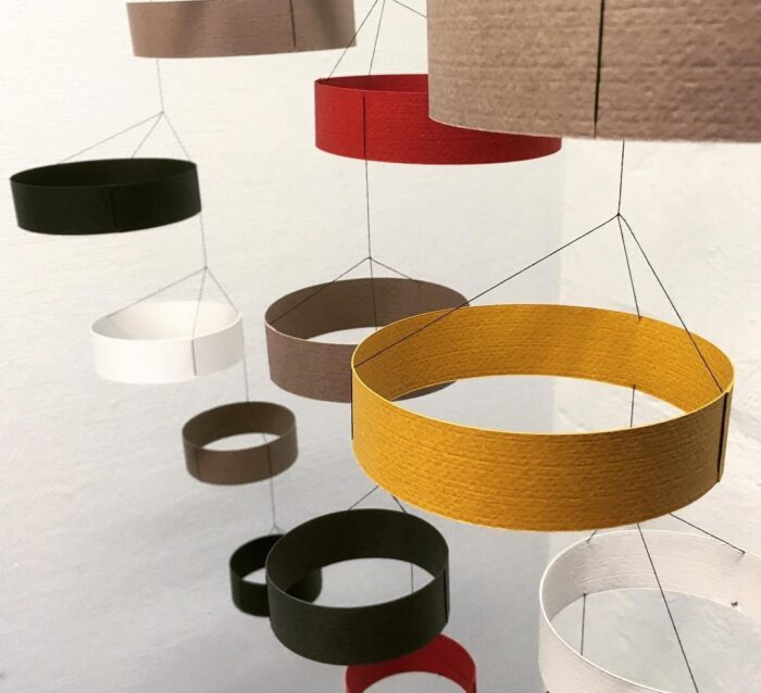 LIVINGLY Círculos Hanging paper Mobile art - Yellow